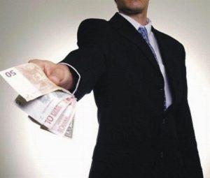 Возможно ли требовать обещанные деньги не долг