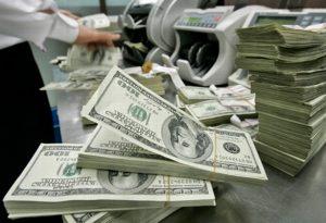 Как коллекторы выкупают долги